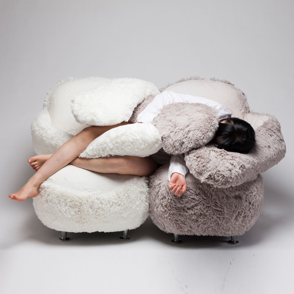 Friday favorite: Free Hug Sofa - weirdatheart.com