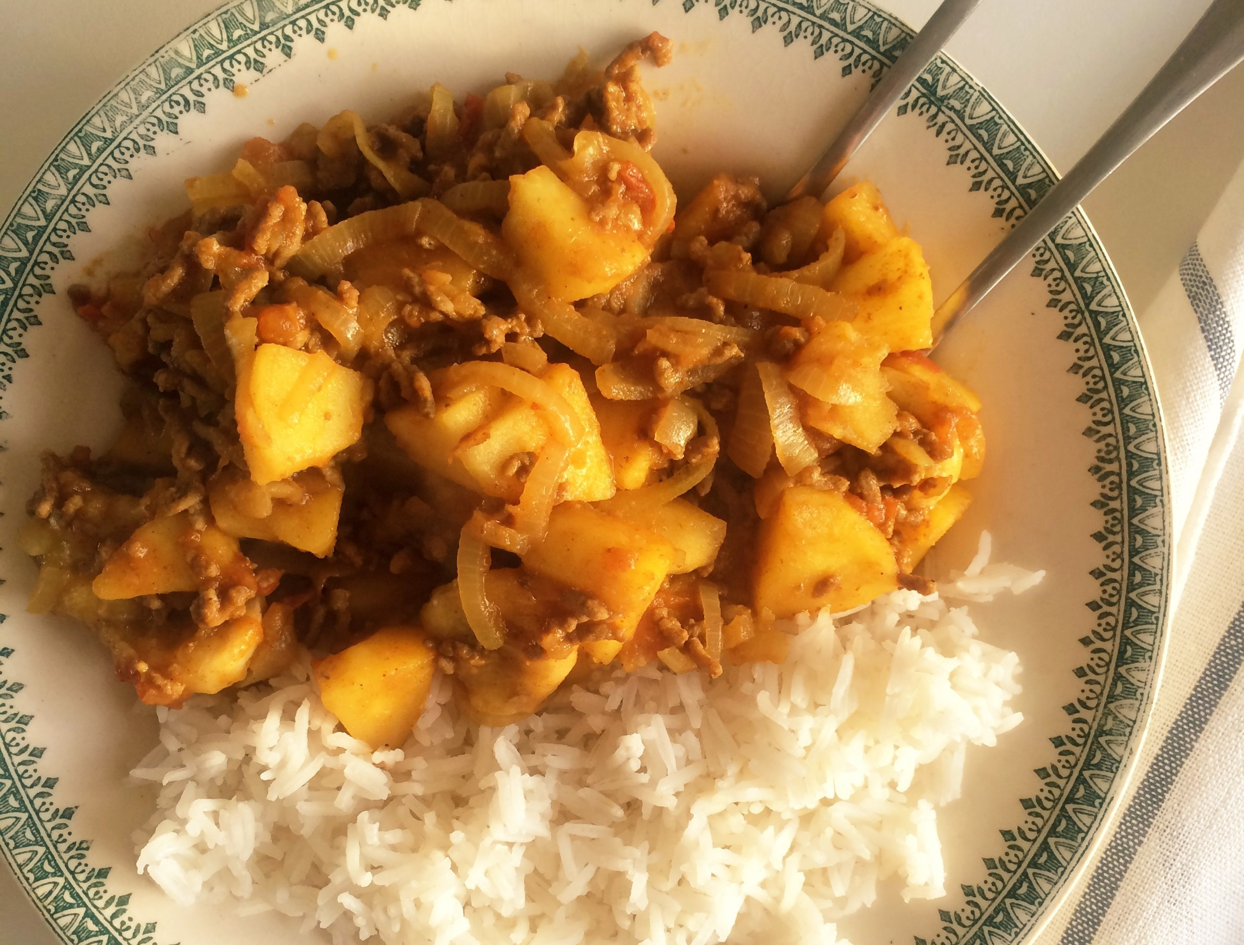 A family classic: Hearty Persian rice with apple and banana